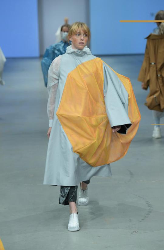 Dansk Designer Bevarer Sine Innovative Ben På Jorden