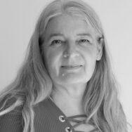 Joan Knudsen sort-hvid